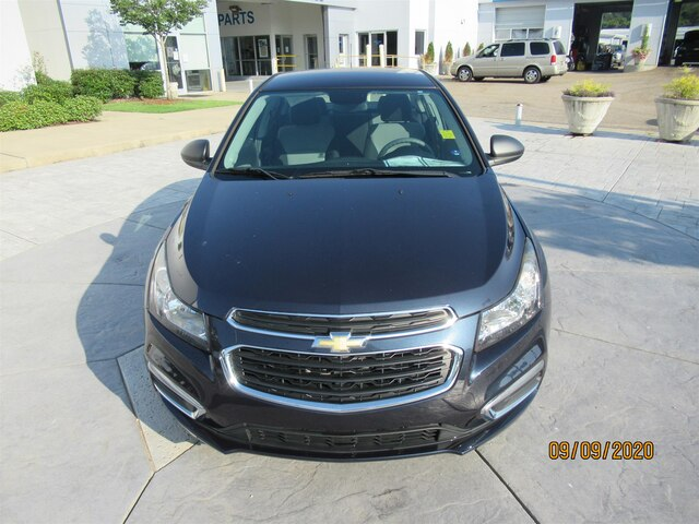Pre-Owned 2015 Chevrolet Cruze LS Auto
